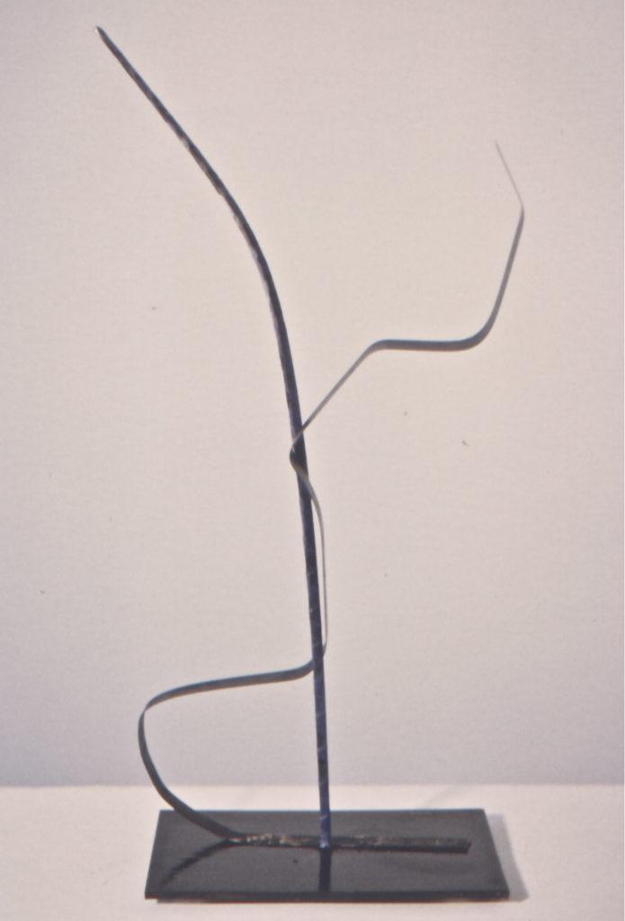 Scultura di Adriana Amodei - Algoritmo VII 1993 50x20x6