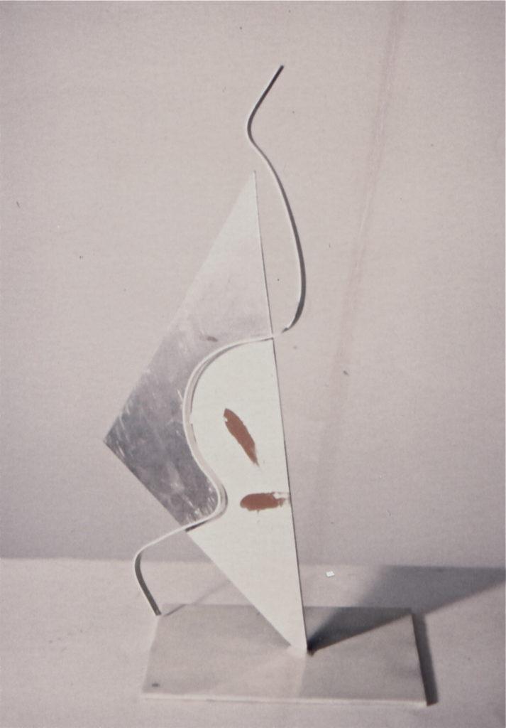 Scultura di Adriana Amodei - Maschera 1993 50x20x10